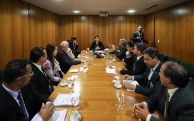 Members of the 2021 Deaflympics meet with Michelle Bolsonaro and representatives of the federal government